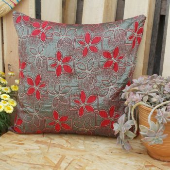 maxilara_zakar_kokkino_floor_cushion_red_daizi_55X55_2F03R1015