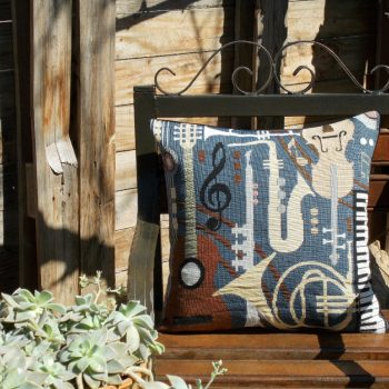 maxilari_yfanto_Music_lovers_tapestry_pillow