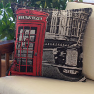 maxilari_yfanto_london_taxi_tapestry_pillow_40x40