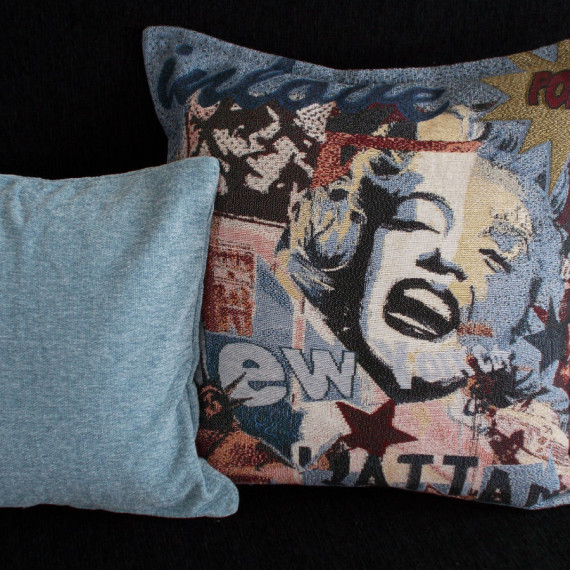 maxilari_yfanto_marylin_monroe_pop_art_tapestry_pillow