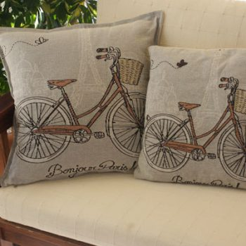 maxilari_yfanto_podilato_bicycle_tapestry_pillow_40X40_55X55