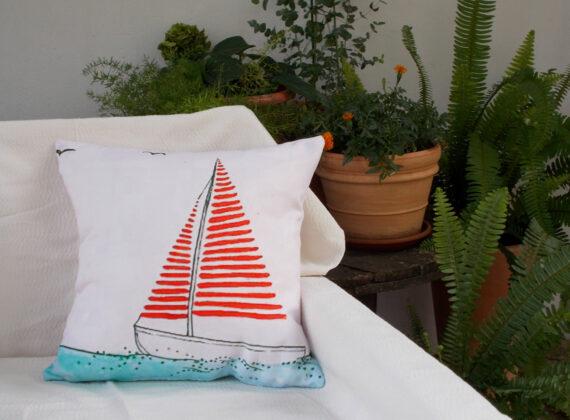 Summer_pillow_sailing